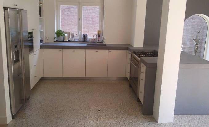 VRI interieur FMM terrazzo keukenblad in beton