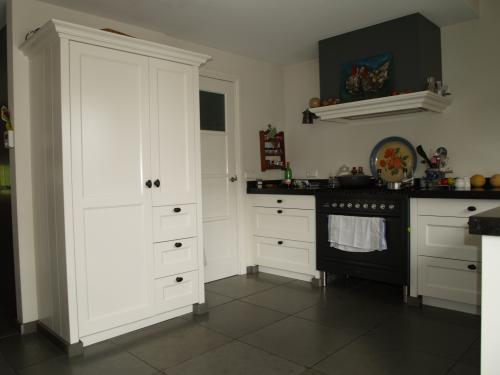VRI interieur: landelijk moderne keuken met fornuis