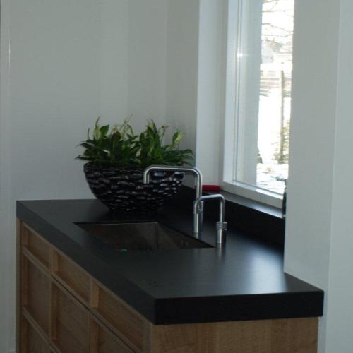 VRI interieur: landelijk moderne woonkeuken met kookeiland
