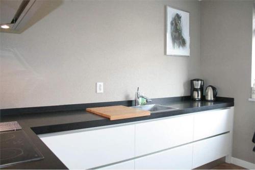 VRI interieur: hoogglans keuken in modern design