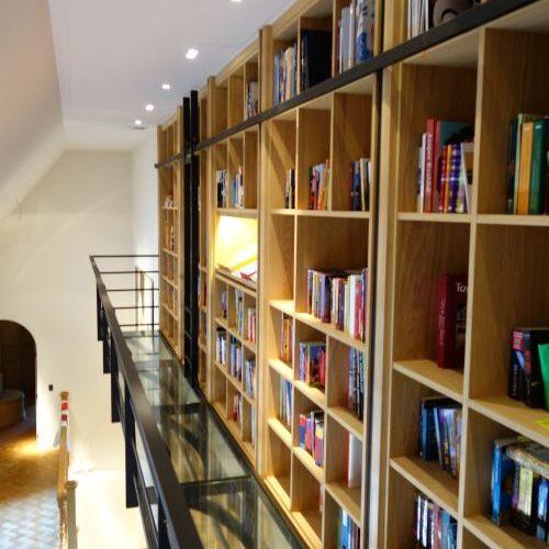 ORION ontwerp / VRI interieur: bibliotheek in eiken