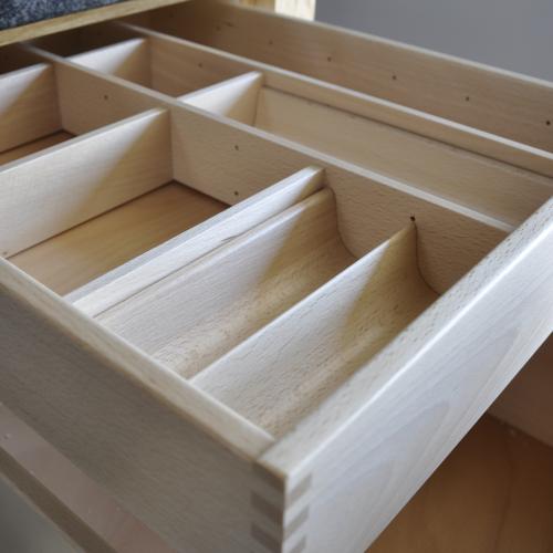 VRI interieur: exclusieve houten binnenlade