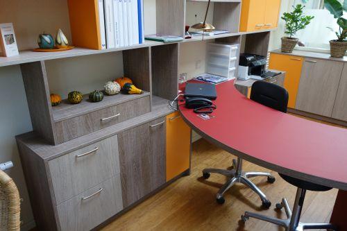 ORION ontwerp / VRI interieur: wandkast met werkplek