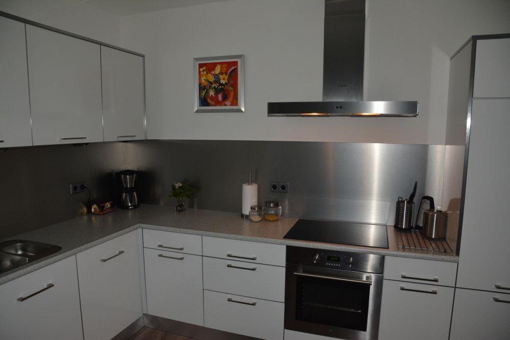 VRI interieur: moderne design keuken hoogglans wit