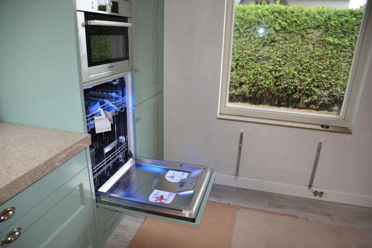 VRI interieur: stijl interieur keukenwerkblad en vensterbank in zelfde stijl