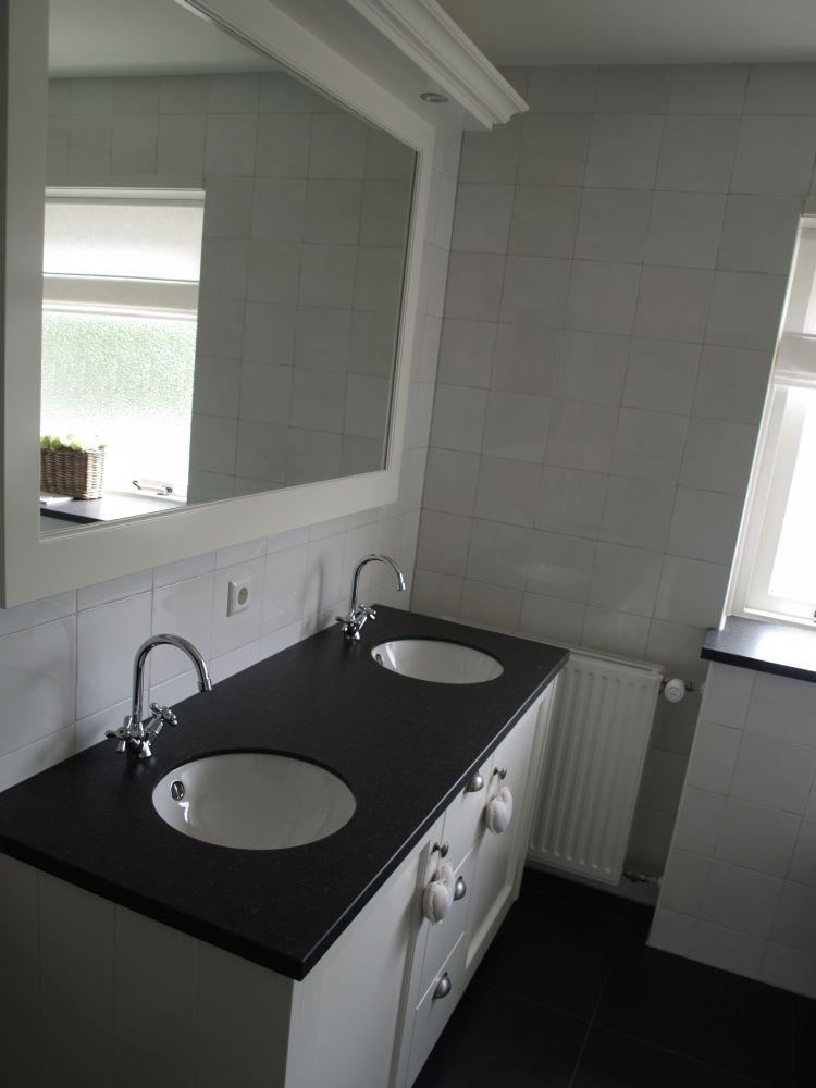 VRI interieur: stijl interieur wastafelblad en vensterbank in zelfde stijl